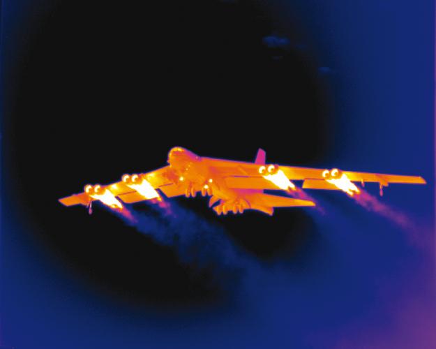 TERMOGRAFIA CAMARAS TERMOGRAFICAS FLIR FIRMAS TERMICAS avión